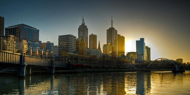 Airport car rental and hire Melbourne .jpg