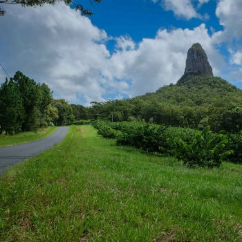 Glasshouse Mountains, Bruce Highway