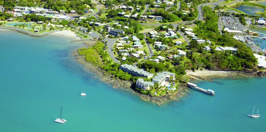 aerial shot of airlie beach