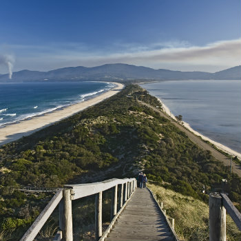 beautiful view connecting north and south bruny islands in tasmania