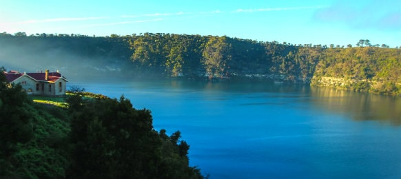 blue lake of mount gambier
