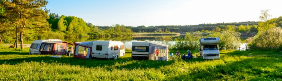 Caravans and camping on the lake of Australia