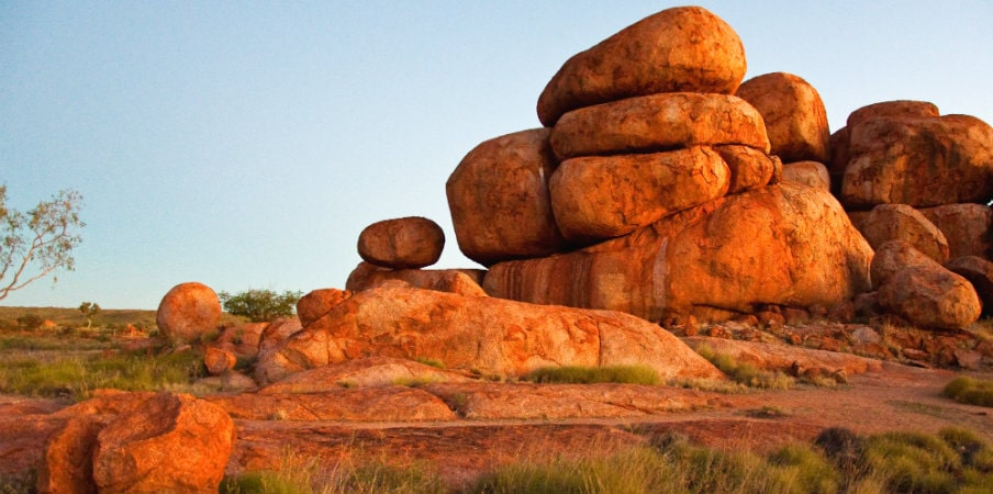 devils marbles outback nt