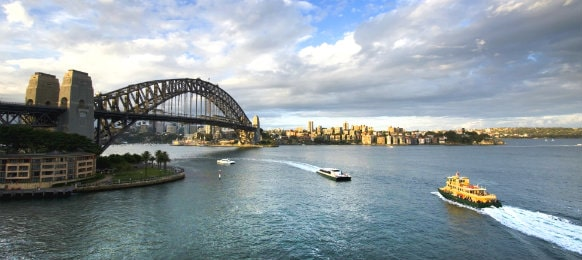 ferry to sydney harbour bridge