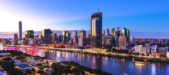 sunset at brisbane CBD and south bank
