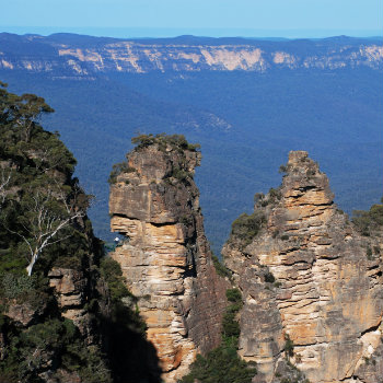 the famous blue mountains in sydney australia
