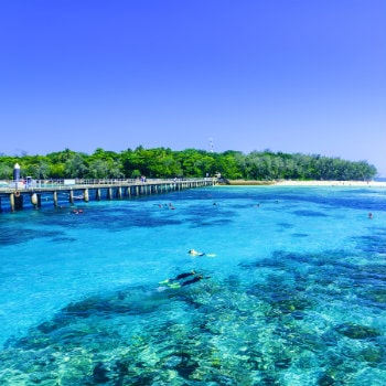the great barrier reef in queensland state