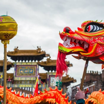 traditional chinese dragon dance