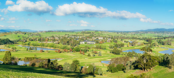 panoramic view of yarra glen valley, dandenong ranges and warrandyte